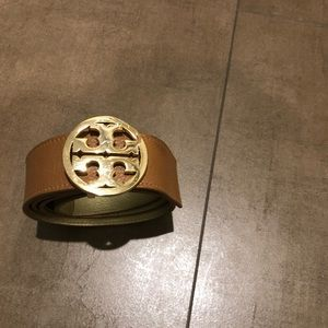 "Tory Burch 1.5"" Reversible Leather Beige Gold Belt"